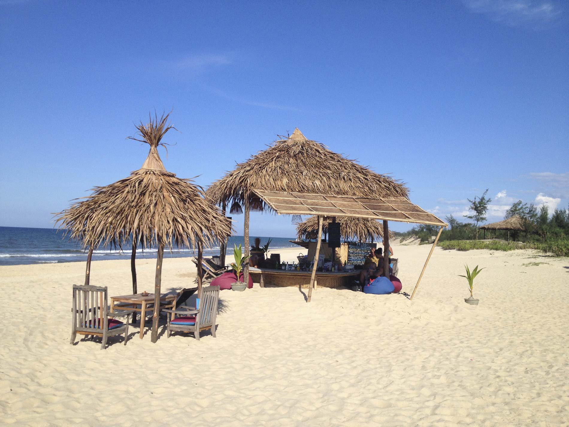 Hd Tropical Island Beach Paradise Wallpapers And Backgrounds: The Beach Bar At Phu Thuan Beach, Hue