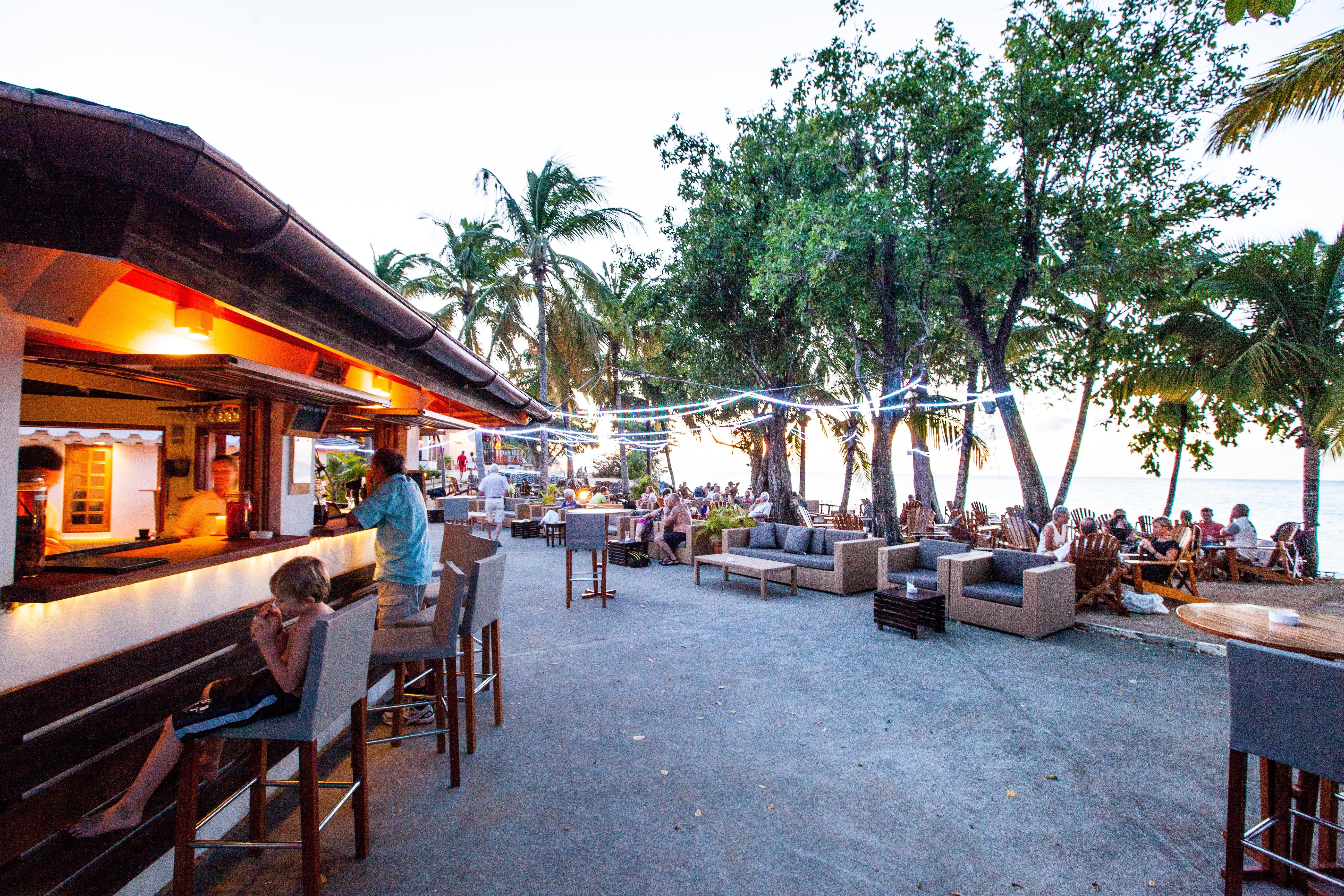 Guadeloupe beach bars kawann beach bar deshaies beach bar bums - Pictures of bars ...